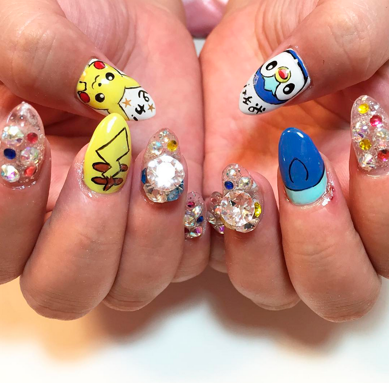 "<p>Pikachu and Piplup nail art by <a href=""https://www.instagram.com/73.roza/"">@73.roza</a></p>"