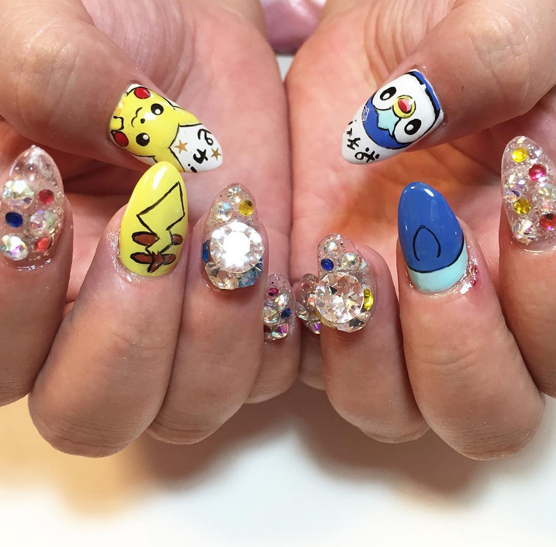 """<p>Pikachu and Piplup nail art by <a href=""""https://www.instagram.com/73.roza/"""">@73.roza</a></p>"""