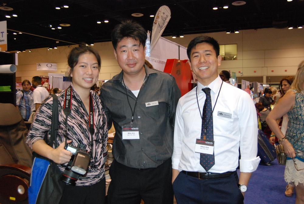 <p>J&amp;A USA with NAILS senior editor Kim Pham</p>