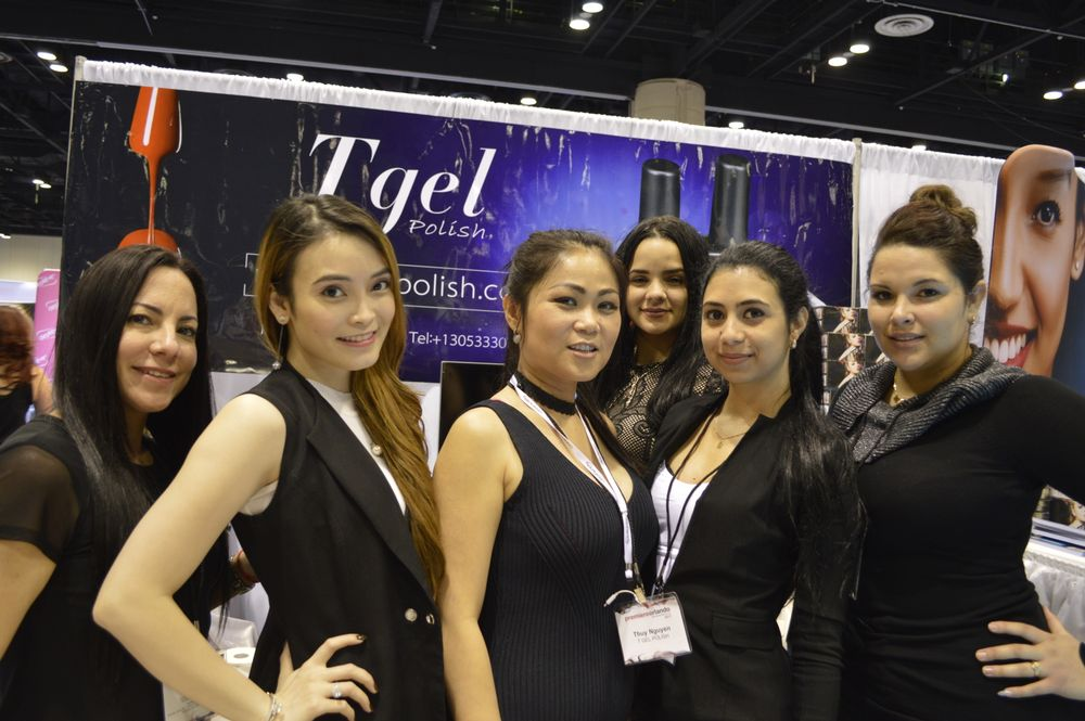 <p>The Tgel team.</p>