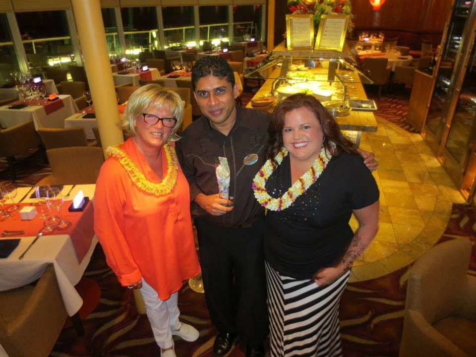 <p>Vicki and Jessica with a cruise waiter who was given a homemede award for Best Cruise Waiter.</p>