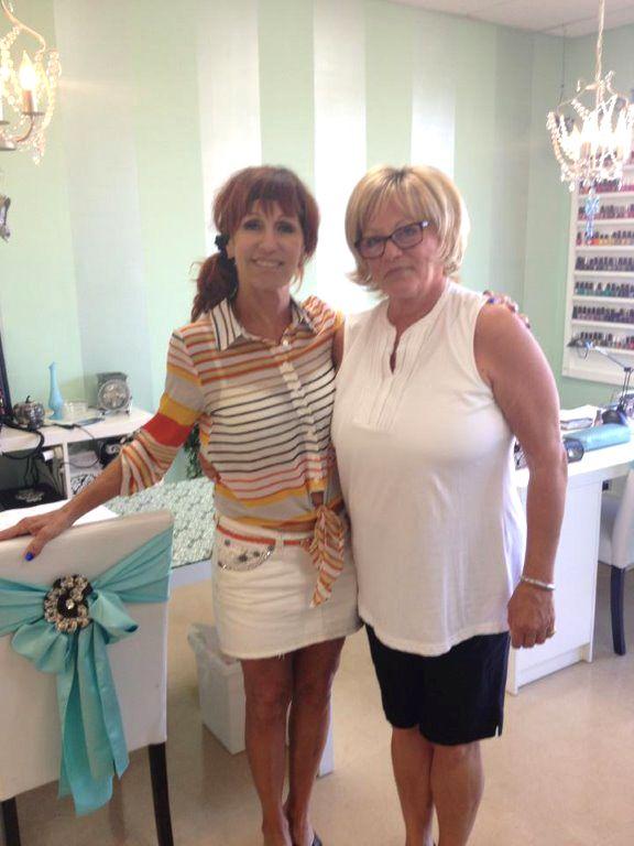 <p>Linda Nordstrom with Vicki</p>