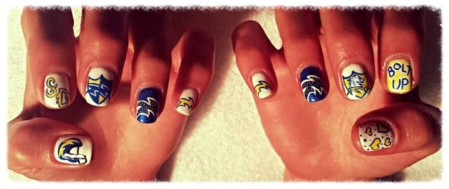 <p>Chargers nails by&nbsp;Liza Waitzman</p>