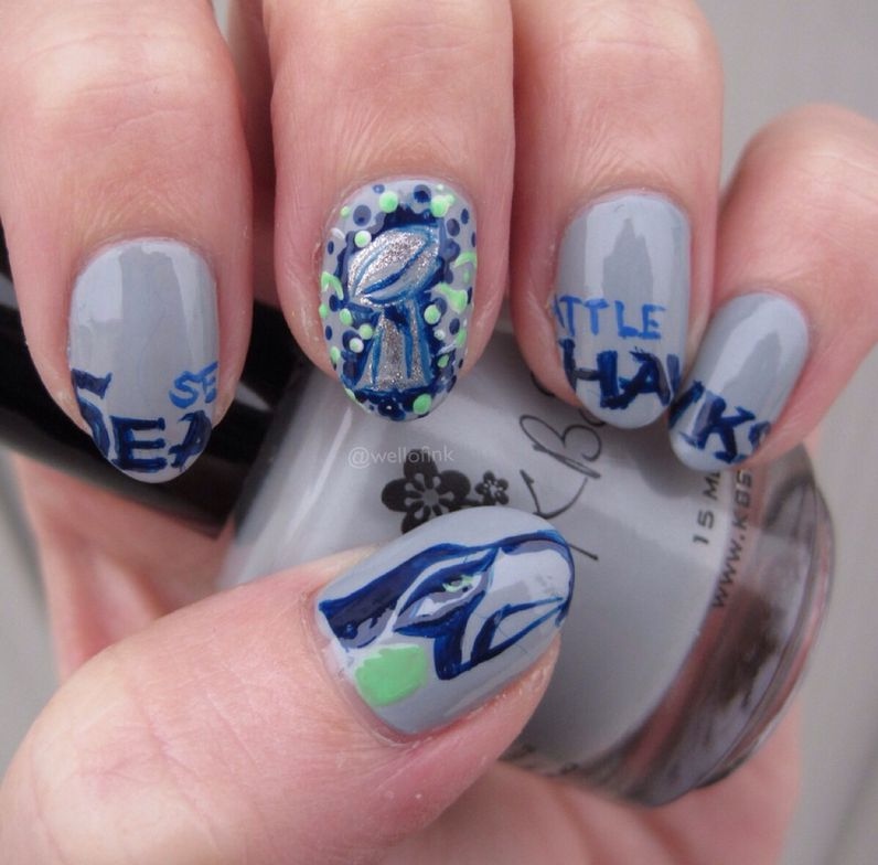 <p>Seahawk nail art by Kelly Shannon</p>