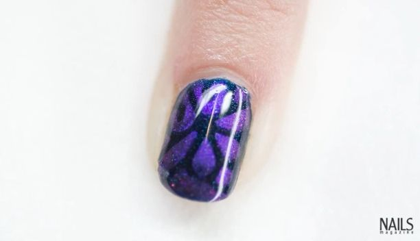 Troubleshooter: Nail Art Using Stencils and Pigments