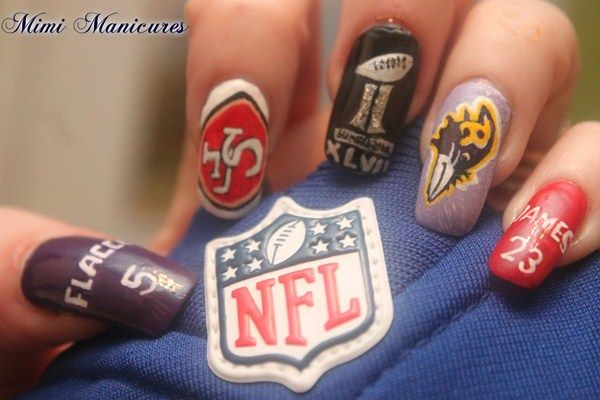 <p>Super Bowl XLVII nails by&nbsp;Michelle Travis</p>