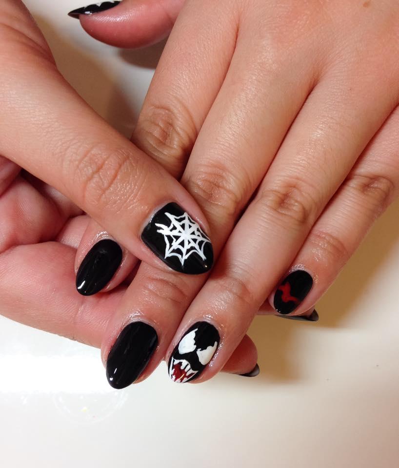 <p>Venom nails by Sigourney Nu&ntilde;ez, North Hollywood, Calif.&nbsp;</p>