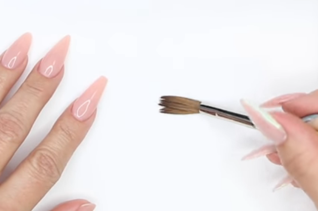 Young Nails Nail School: The Secret to Long-Lasting Brushes