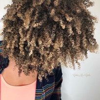 These healthy curls by @colormecurls are everything!