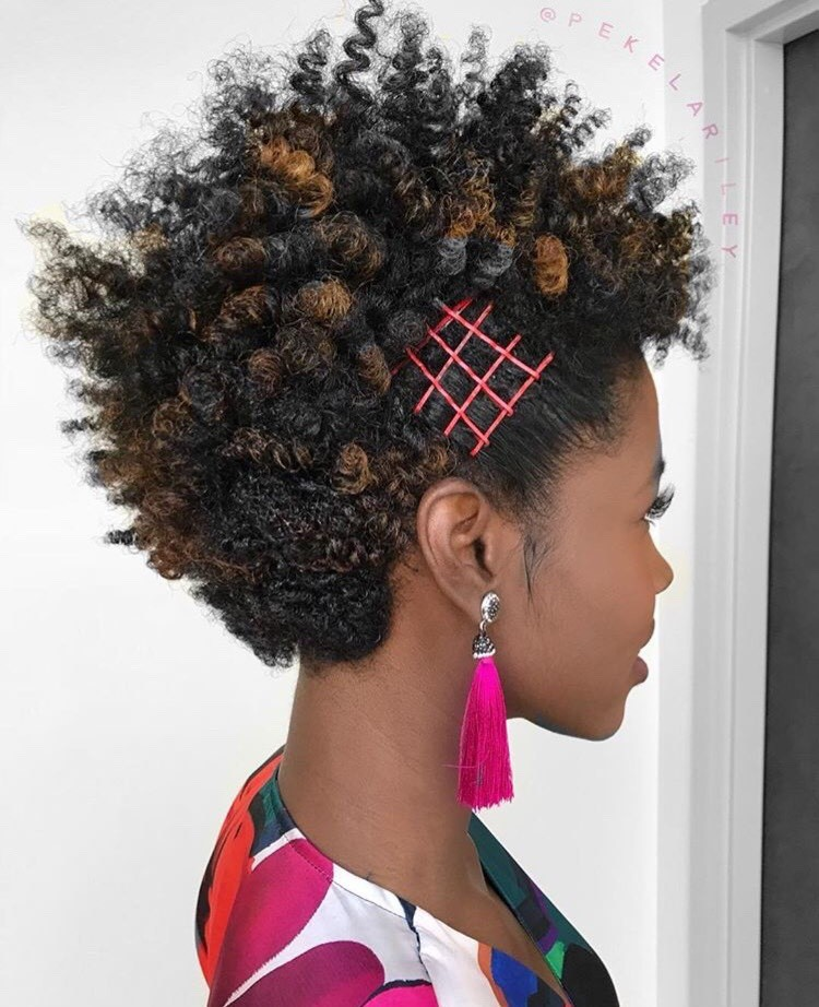 <p>These bobby pins add the PERFECT pop of color to this look by Pekela Riley @Pekelariley.</p>