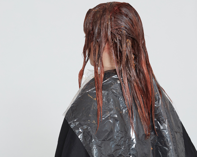 <p><strong>Step 5:</strong> Process according to manufacturer&rsquo;s instructions. Rinse, shampoo and condition, and dry hair.</p>