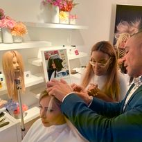 Alex Rafael Lozano demonstrates best extensions practices at a Great Lengths event in NYC.