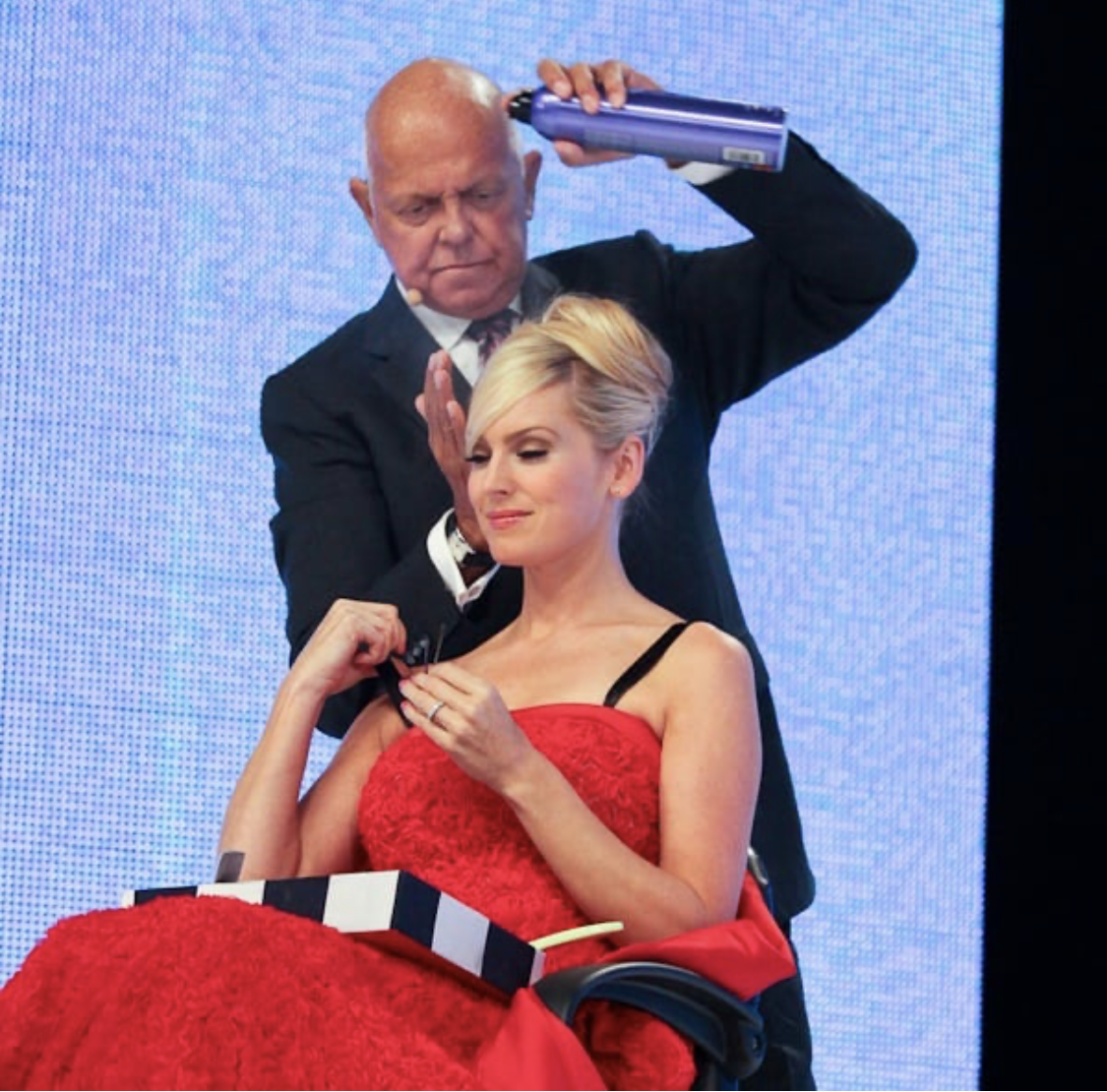 Passing of Famed Hairdresser and Updo Artist Martin Parsons