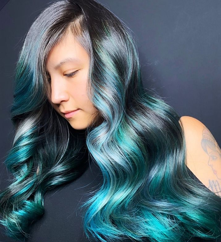 <p>To achieve this final result, Emily Boulin applied the following colors to a pre-toned<br />