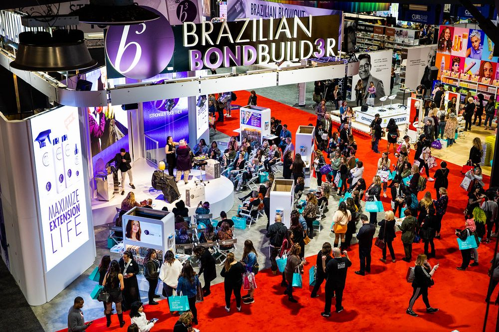 <p>An always-busy Brazilian Blowout booth</p>