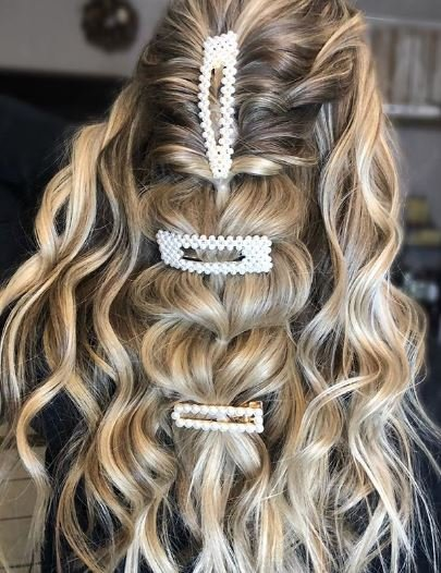 Styling How-To: Topsy Tail Pull-Through Braid with Waves
