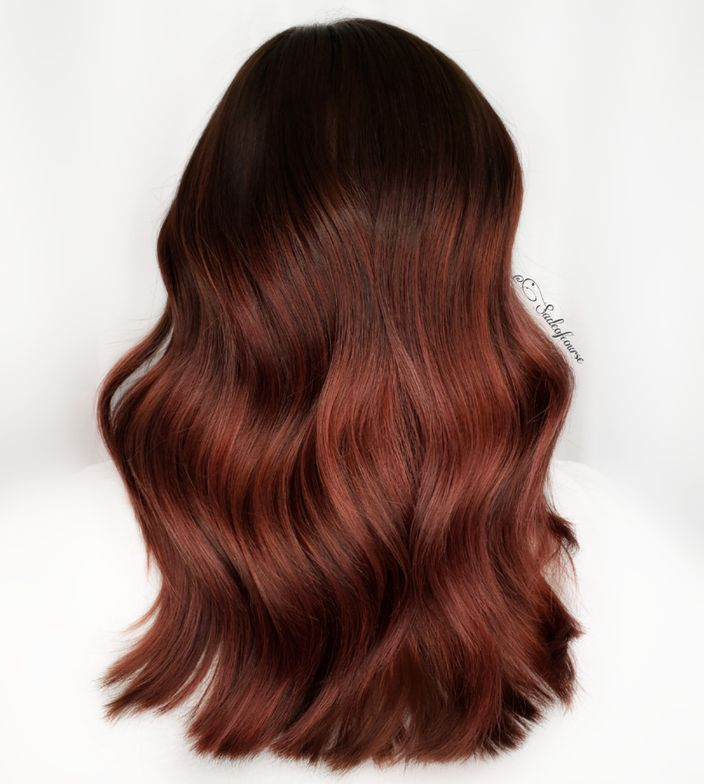 <p>Keep backgrounds clean and neutral when shooting any hair color. Hair by Sad&eacute; Huckabee @sadeofcourse</p>