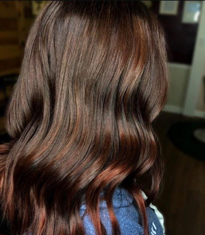 <p>Pravana Artistic Educator&nbsp;@amandakay.hair&nbsp;created this color by using Express Tones After Dark in Dark Mahogany and Dark Neutral Ash for 5 mins</p>