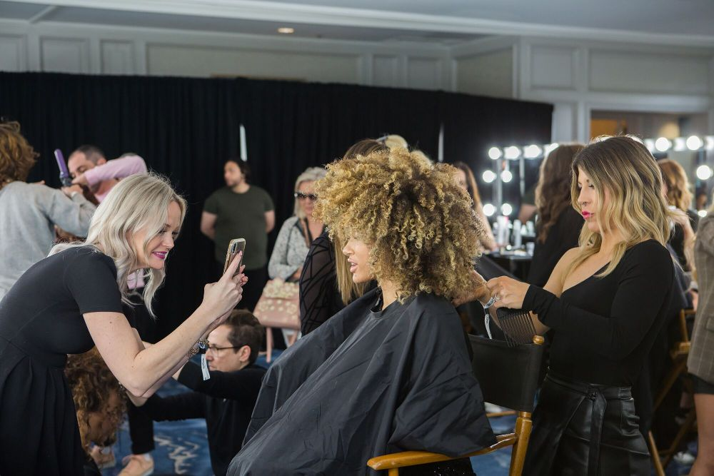 <p>Behind-the-scenes/ The winning TEXTURE look</p>
