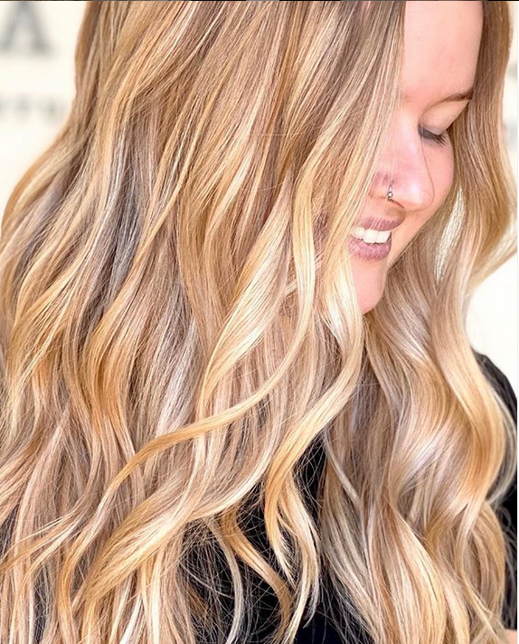 <p>Understanding how oxidation affects hair color can make the difference between good work and great work like this heavenly honey blonde. <strong>Hair: Anthony Barnhill&nbsp; @anthonybarnhillhair</strong></p>