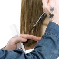 Jesse Linares,Sam VillaArTeam Member, demonstrate 4 ways to add texture to blunt cuts.