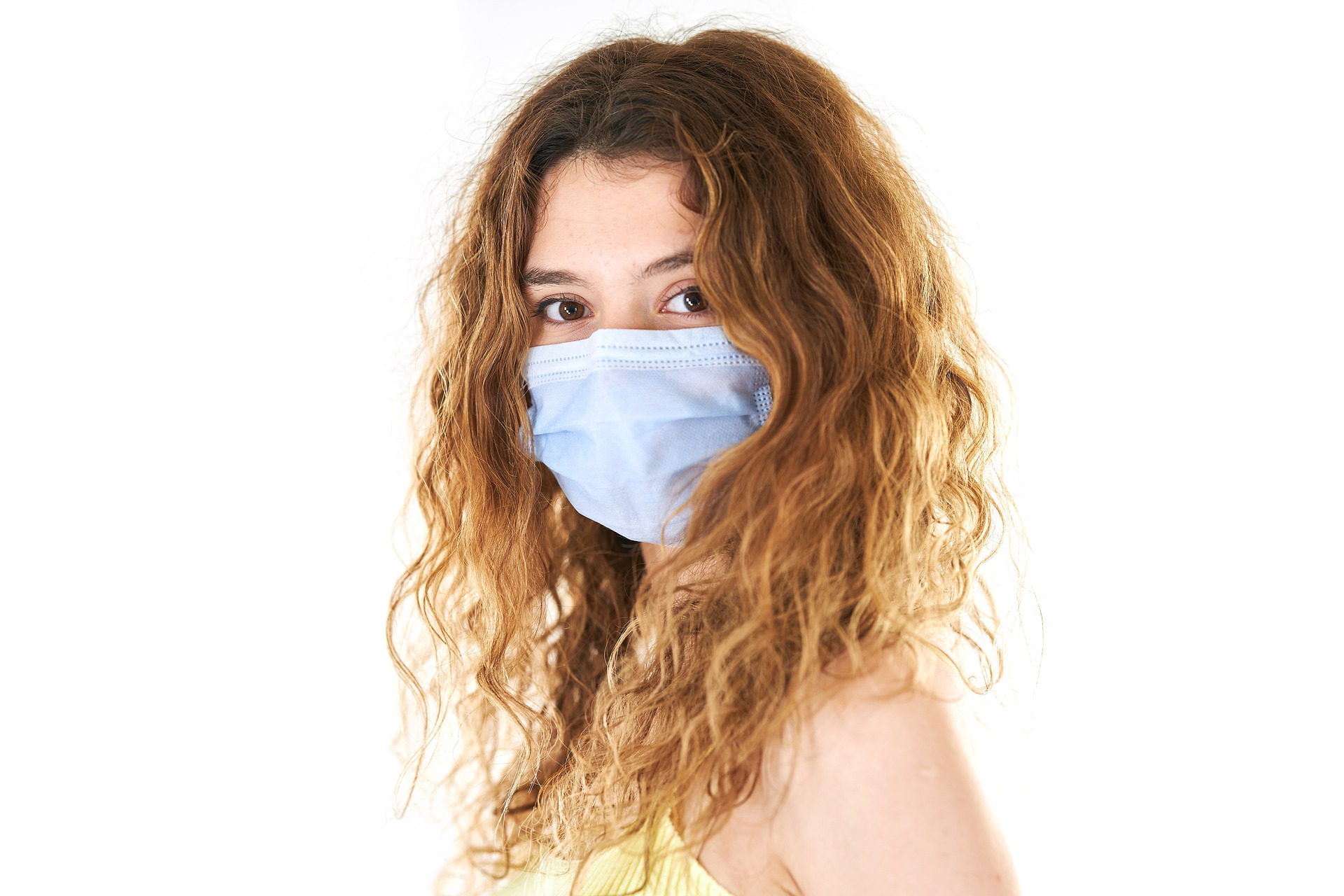 Stylists with Coronavirus Saw 139 Clients, None of Them Fell Ill. Everyone Wore a Mask.