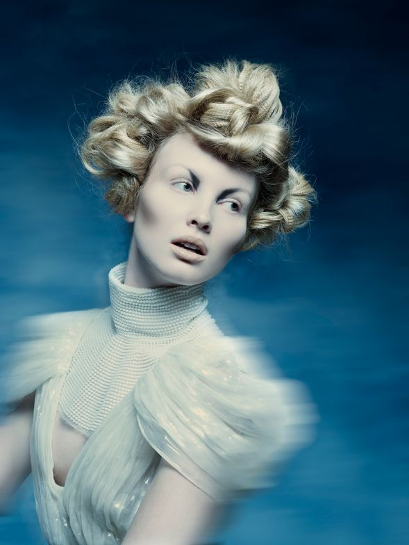 "<p><a href=""https://www.instagram.com/viviennemackinder/?hl=en"">Vivienne Mackinder</a></p>  <p>Riverhead, NY</p>  <p>Photographer: Roberto Ligresti</p>"