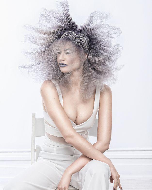 "<p><a href=""https://www.instagram.com/cassiecarey.hair/?hl=en"">Cassie Carey</a></p>  <p>New York</p>  <p>Photographer: Richard Monsieurs</p>"