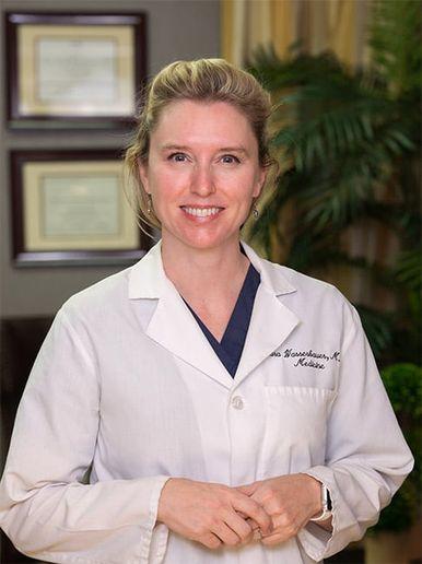 Dr. Sara Wasserbauer  -