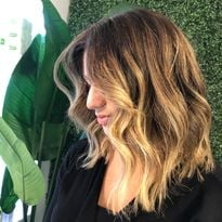 Get the Formula for This Glowing Golden Balayage