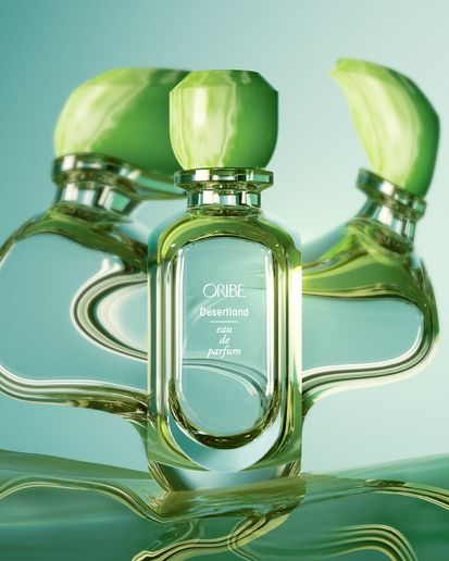 Bright, crisp notes of juniper berry, rare desert wildflowers and warm Texas cedarwood embody the essence of a blooming desert. This aromatic green Desertland scent was inspired by Oribe President and Co-founder Daniel Kaner's visit to Marfa, Texas, and captures the sandy heat of the day and cool vastness of the still night.   -