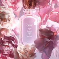 A modern interpretation of a lush floral scent, Valley of Flowers immerses the wearer in a...