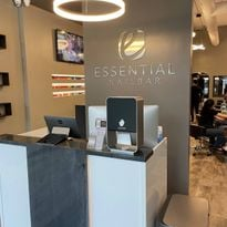 On the Road: Essential Nail Bar