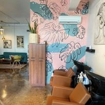 7 Ways to Make a Statement Wall in Your Salon