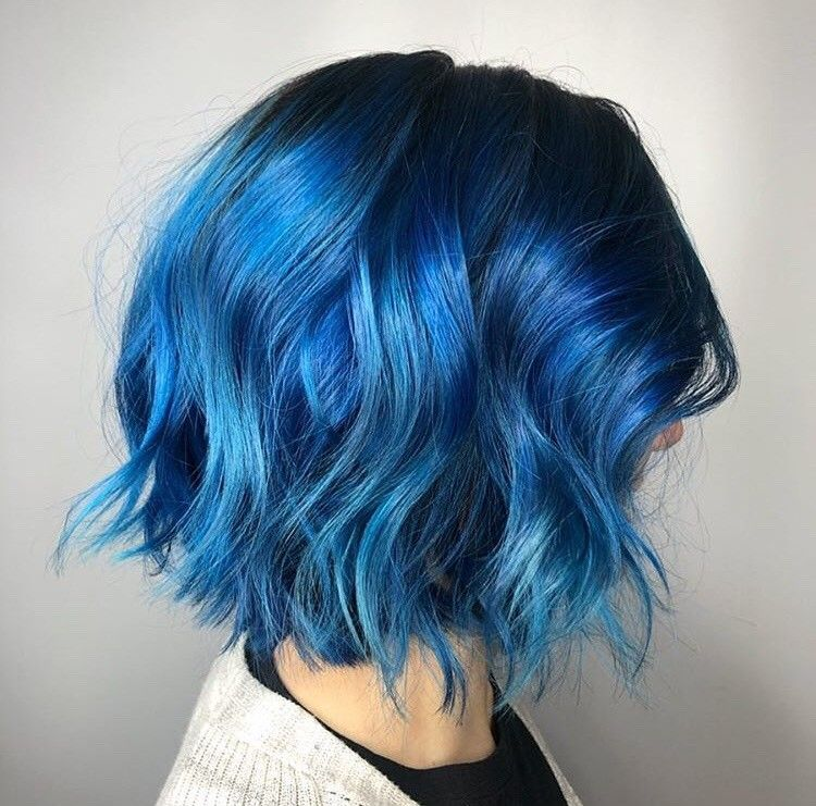 <p>Ashley Fox (@ashley_paints)&nbsp;appropriately calls this textured bob and color &ldquo;Blue AF.&rdquo;</p>