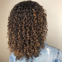 How to Keep Curls Hydrated and Full of Shine