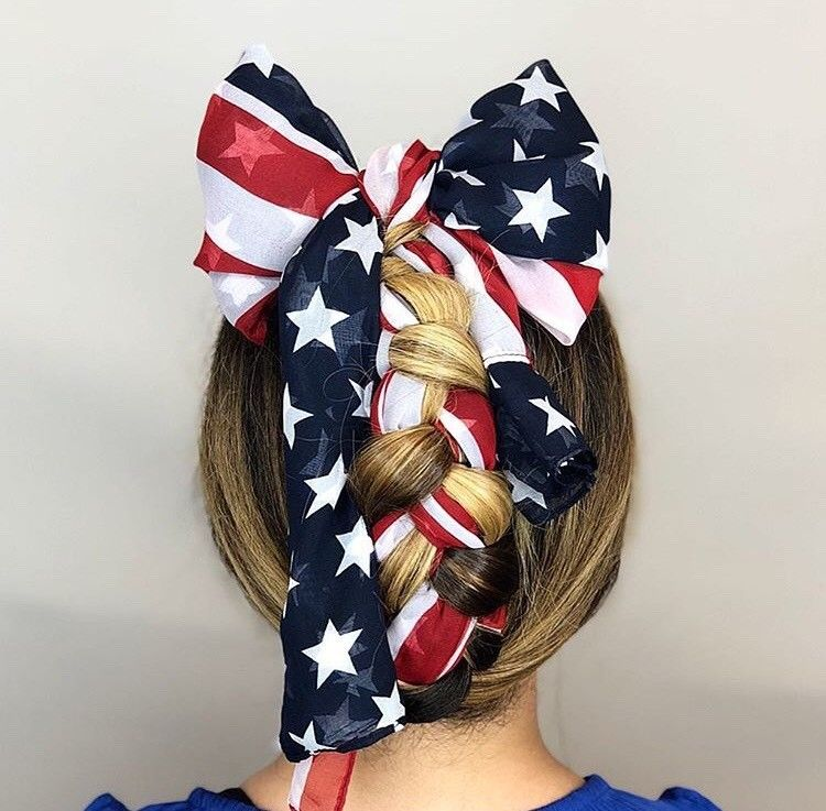 <p>We ~bow~ down to this fun braid by @maxineeglynn!</p>