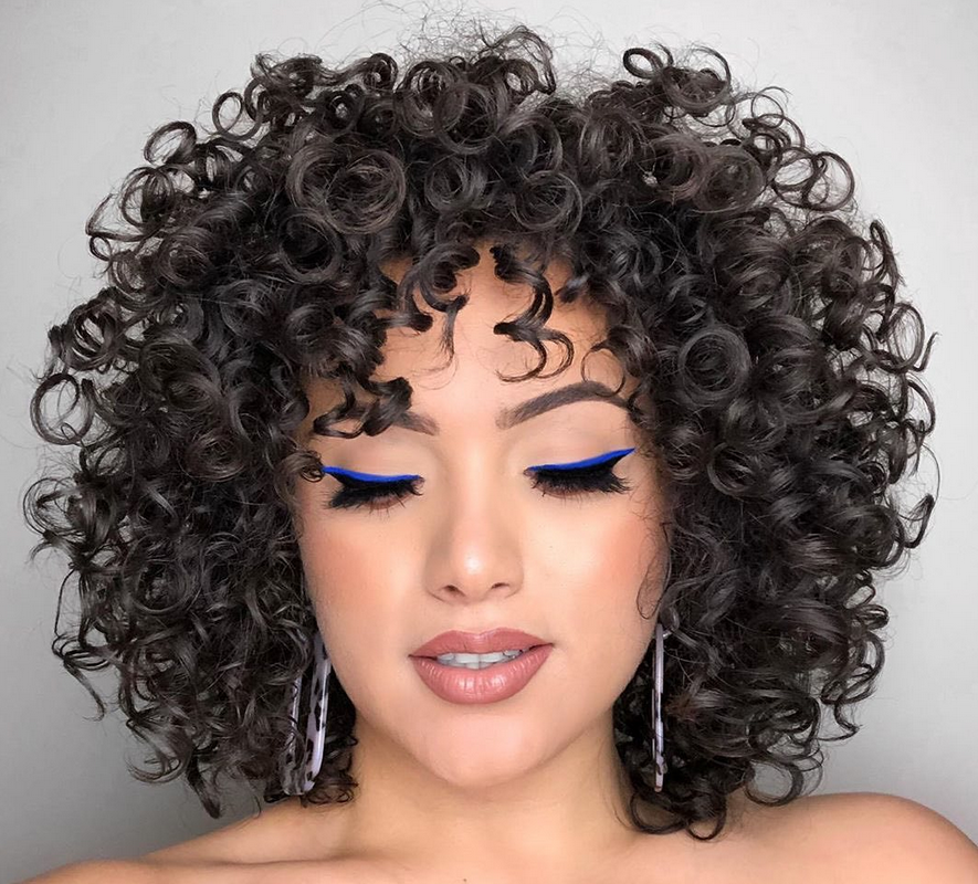 <p><strong>Let&rsquo;s bounce! Zayra Tavares, @zayratavaresmua, @ouidad, cocktailed Ouidad Featherlight Styling Cream and Ouidad Heat and Humidity Gel for perfectly-formed, frizz-free curls.</strong></p>