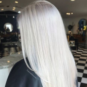 Kim Bruce @themisfi tblonde delivers a smooth and shiny fi nish using the