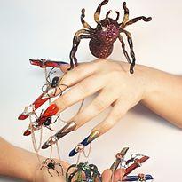 NTNA S. 7 Challenge 6: Spider Nail Art (Helen)