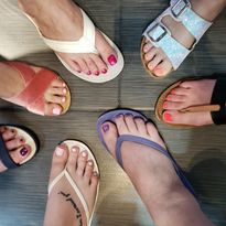Consider Hosting Prosecco & Pedicures At Your Salon