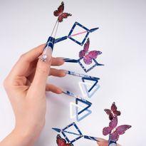 NTNA S. 7 Challenge 6: Penrose Triangle Nail Art (Stella)