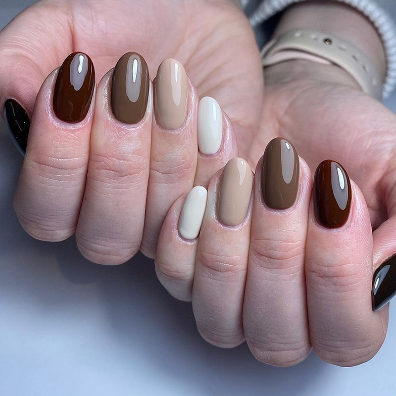 <p>@Ibebeauty wearing (from pinky to thumb) Almond, Nude, Brunette, Mocha, and Cocoa.</p>