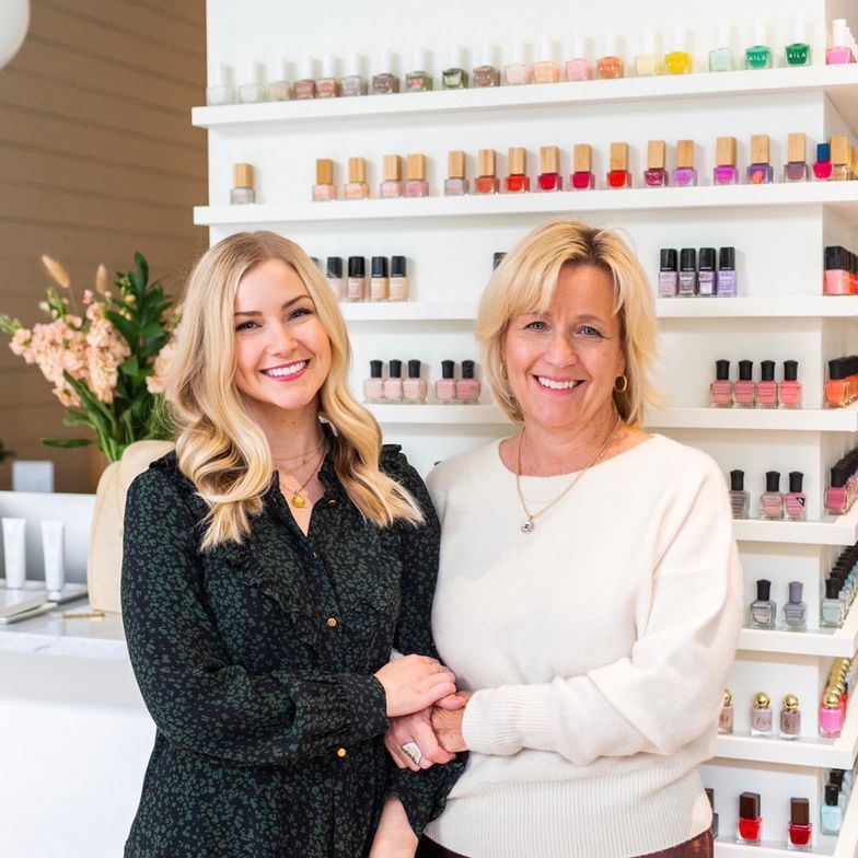 <p>Co-founders Lauren Dunne and Carrie Dunne.</p>