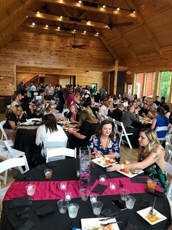 The official pre-party of the Nail Tech Event of the Smokies, the Event Gala brings together nail professionals, educators, vendors, and their friends for an evening of celebration.  -
