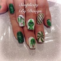 Day 349: Grinch & Co. Nail Art
