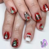 Day 350: Rudolph and Wreath Nail Art