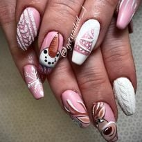 Day 359: Pink Christmas Nail Art