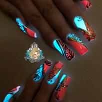 Day 214: Elegant Glow Nail Art