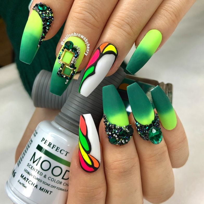 "<p><strong>Nail art by <a href=""https://www.instagram.com/nailsnbrowsbyhenry/"" target=""_blank"">@nailsnbrowsbyhenry</a></strong></p>"